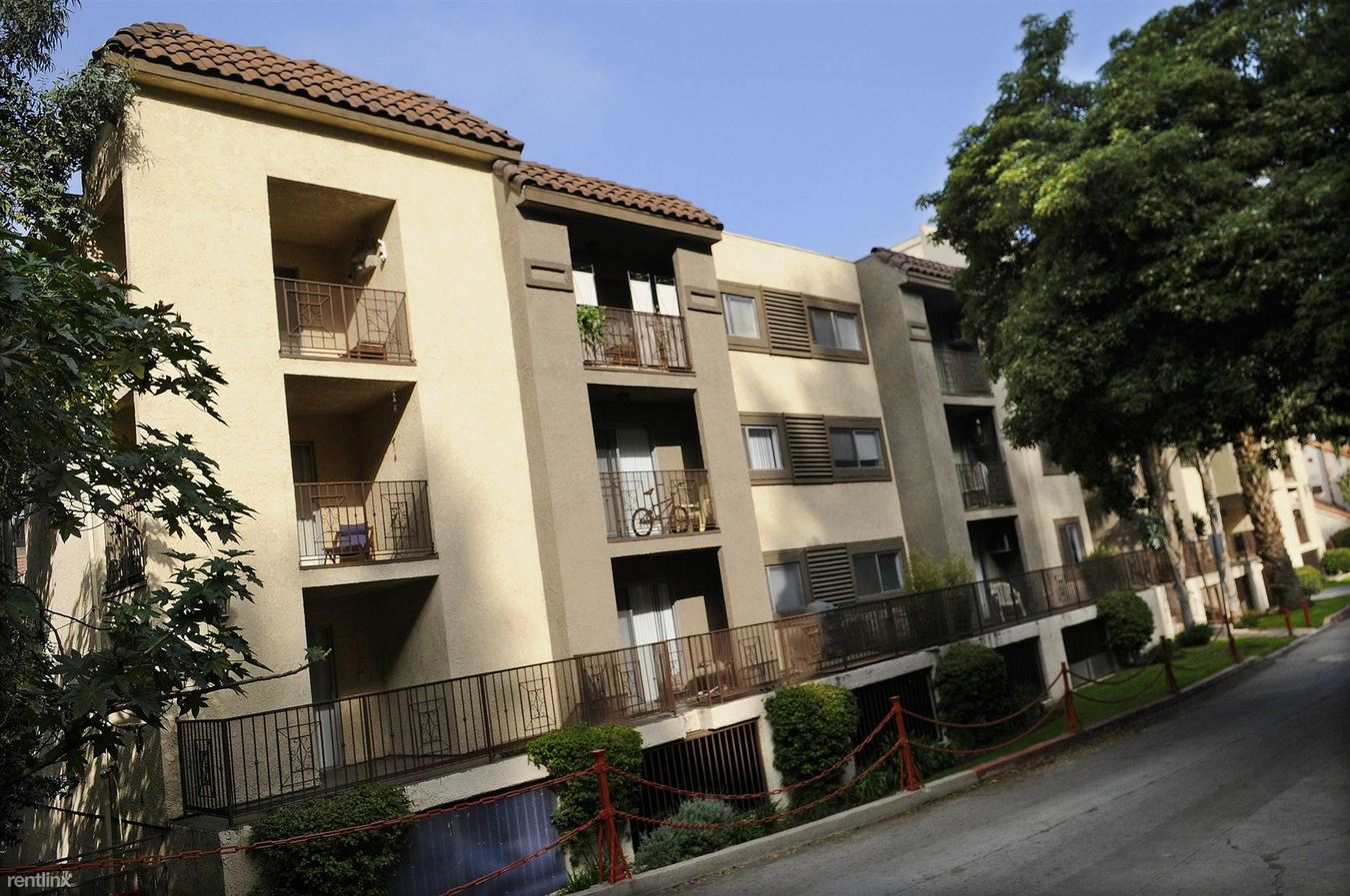 1 Bedroom 1 Bathroom Apartment for rent at Las Palmas Villa in Hollywood, CA
