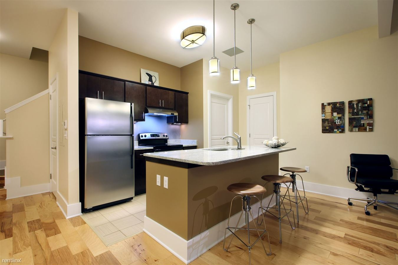 3 Bedrooms 2 Bathrooms Apartment for rent at Division Park Avenue Apartments in Grand Rapids, MI