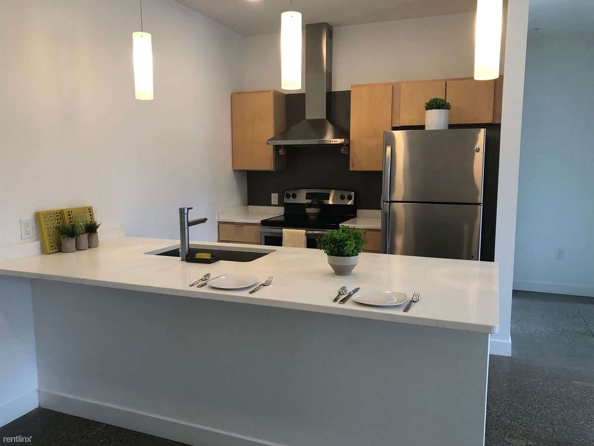 2 Bedrooms 2 Bathrooms Apartment for rent at 345 State Street Apartments in Grand Rapids, MI