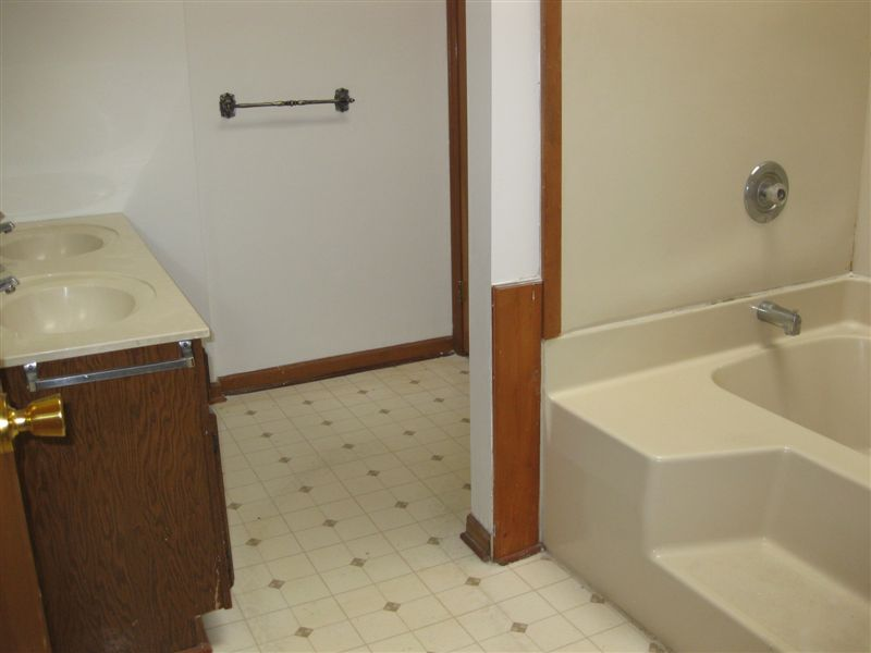 3 Bedrooms 2 Bathrooms Apartment for rent at Old School Village Apartments in Eaton Rapids, MI