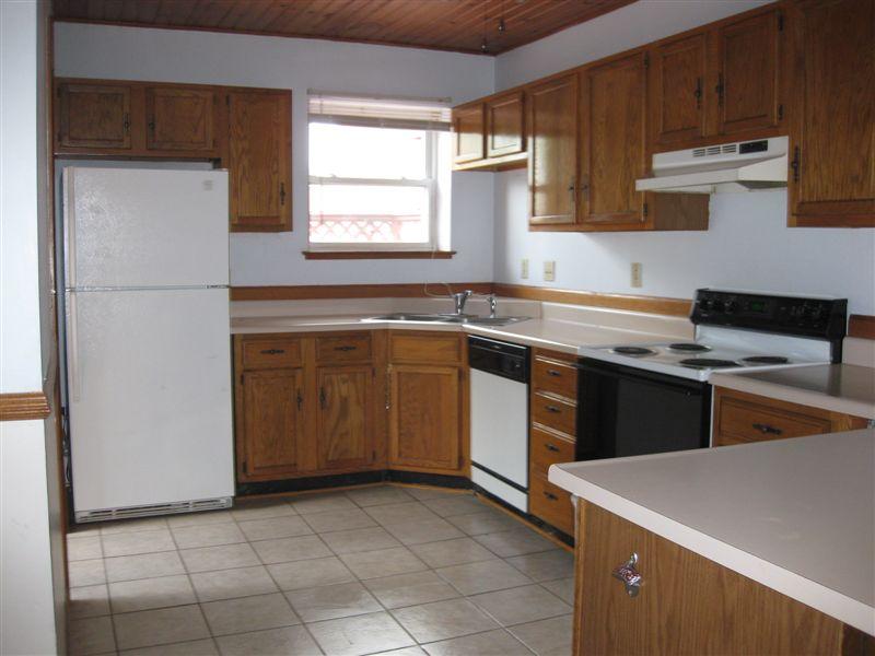 3 Bedrooms 2 Bathrooms Apartment for rent at Old School Village Apartments in Eaton Rapids, MI