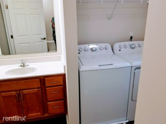 2 Bedrooms 1 Bathroom Apartment for rent at Castle St. Johns in St Johns, MI