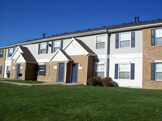 4 Bedrooms 3 Bathrooms Apartment for rent at Oaks Of Adrian in Adrian, MI