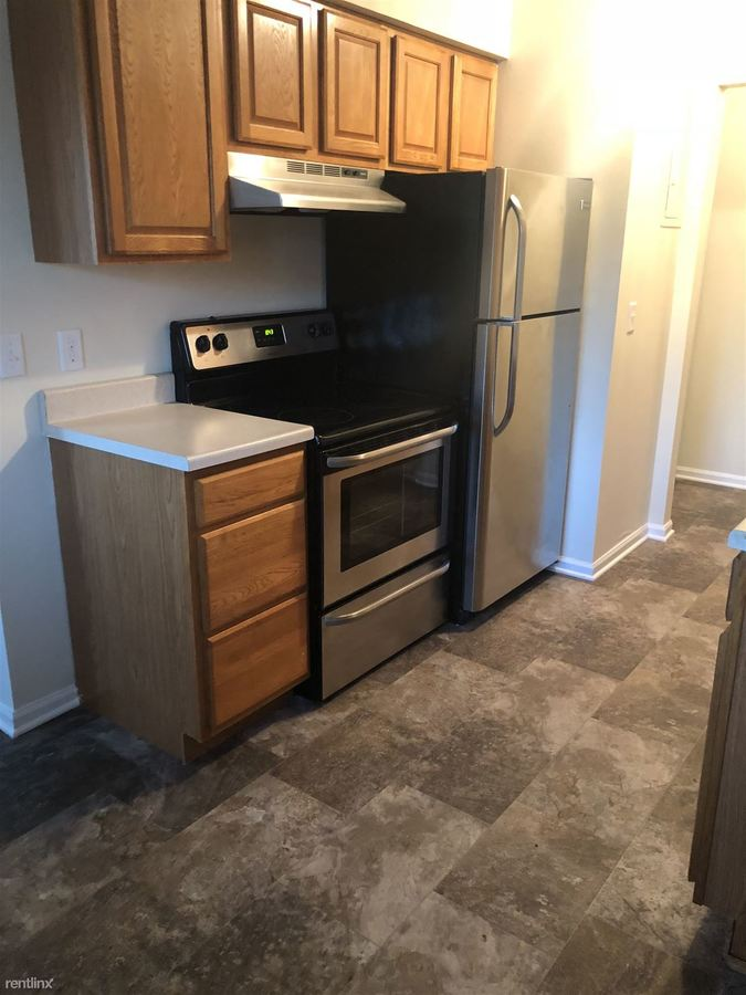 2 Bedrooms 1 Bathroom Apartment for rent at South Square Apartments in Holt, MI