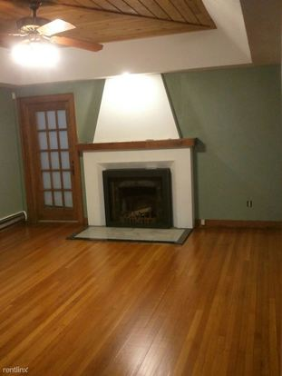 3 Bedrooms 2 Bathrooms Apartment for rent at 615 W Ionia St in Lansing, MI