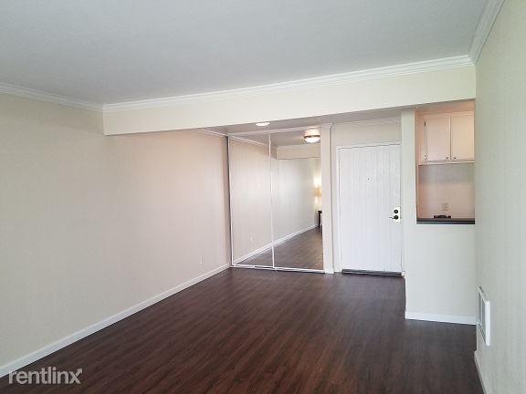 1 Bedroom 1 Bathroom Apartment for rent at Hillside Village Apartments in Montrose, CA
