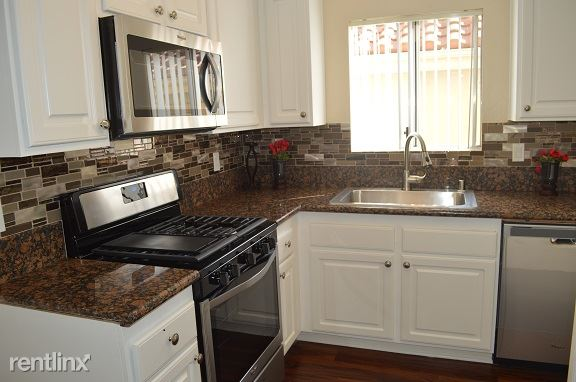 2 Bedrooms 2 Bathrooms Apartment for rent at Valley Apartments in Burbank, CA