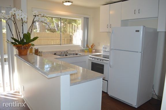 2 Bedrooms 1 Bathroom Apartment for rent at Madison Court Apartments in Pasadena, CA