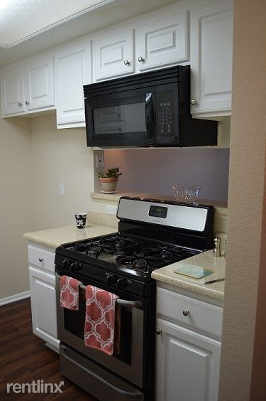 1 Bedroom 1 Bathroom Apartment for rent at Valley Apartments in Burbank, CA