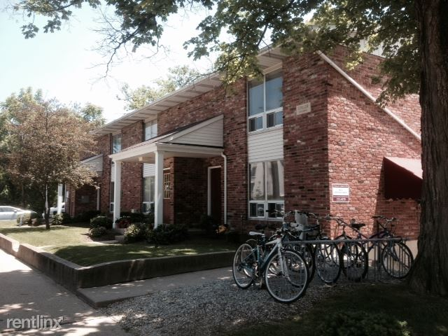 2 Bedrooms 1 Bathroom Apartment for rent at Woodlawn Terrace in Bloomington, IN