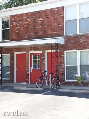 2 Bedrooms 1 Bathroom Apartment for rent at 320 E University St in Bloomington, IN