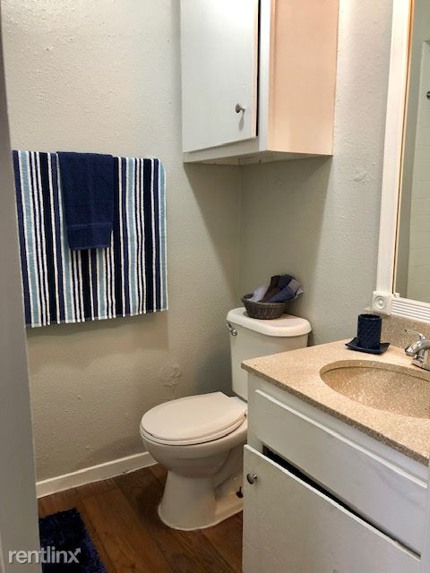 1 Bedroom 1 Bathroom Apartment for rent at Montego Harbor Apartments in Corpus Christi, TX