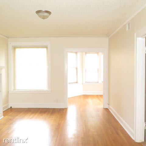 2 Bedrooms 1 Bathroom Apartment for rent at 2209 E 70th St # 2211 in Chicago, IL