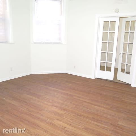 2 Bedrooms 1 Bathroom Apartment for rent at 4338 S Drexel Blvd in Chicago, IL