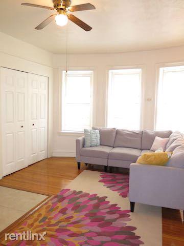 Studio 1 Bathroom Apartment for rent at 4338 S Drexel Blvd in Chicago, IL