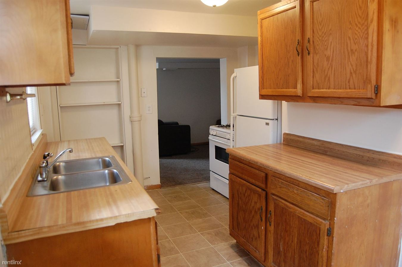 5 Bedrooms 1 Bathroom House for rent at 1021 E University Ave in Ann Arbor, MI