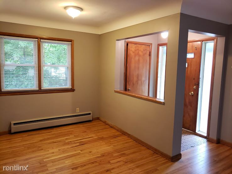 5 Bedrooms 3 Bathrooms House for rent at 1000 Woodlawn Ave in Ann Arbor, MI