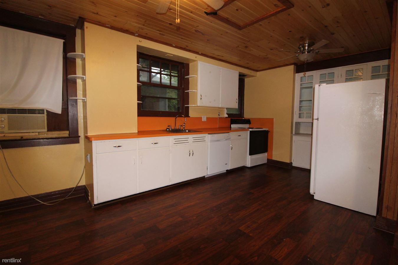 1 Bedroom 1 Bathroom Apartment for rent at 1052 Baldwin Ave in Ann Arbor, MI