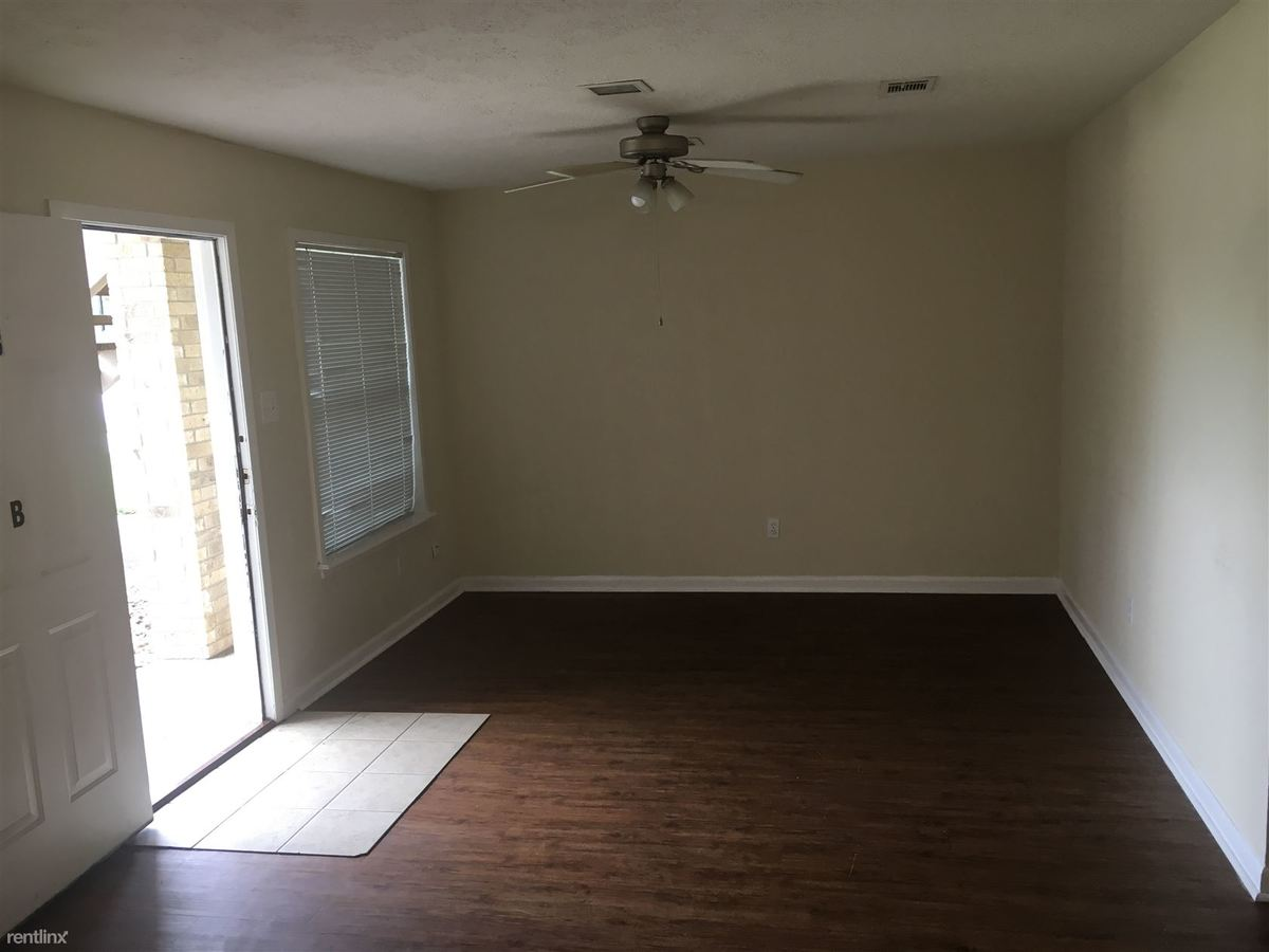 2 Bedrooms 1 Bathroom House for rent at Sara Drive Duplexes in College Station, TX
