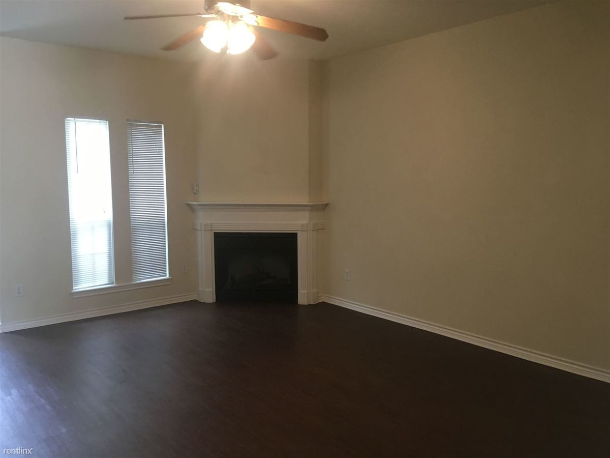 2 Bedrooms 2 Bathrooms Apartment for rent at Wellington Court Condos in College Station, TX
