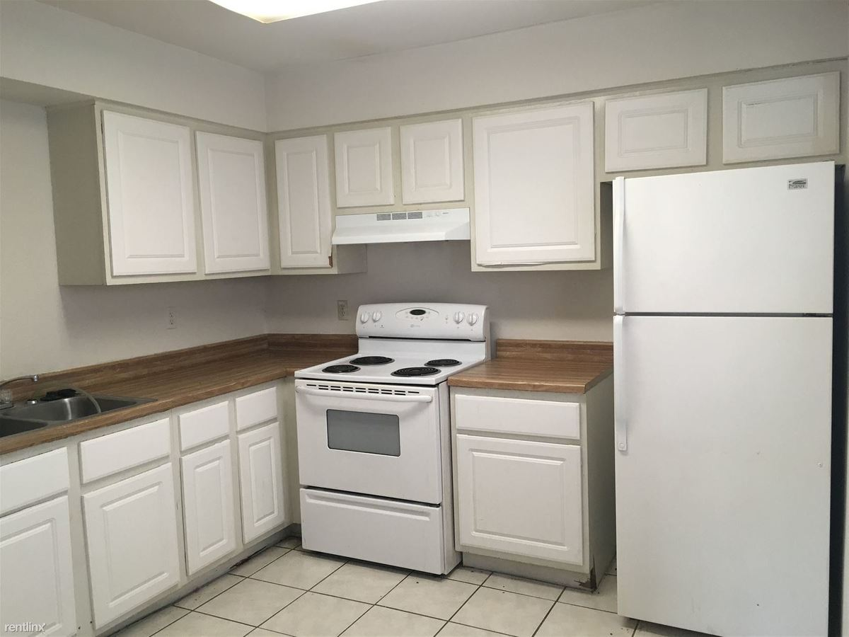 3 Bedrooms 2 Bathrooms Apartment for rent at 319 Manuel Dr in College Station, TX