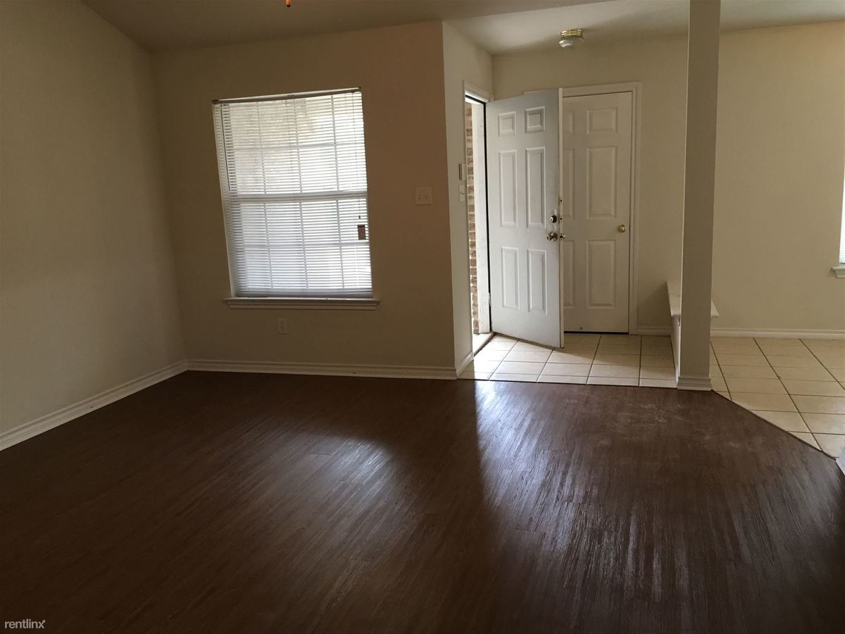 3 Bedrooms 3 Bathrooms Apartment for rent at 3705 Oldenburg Ln # 3707 in College Station, TX