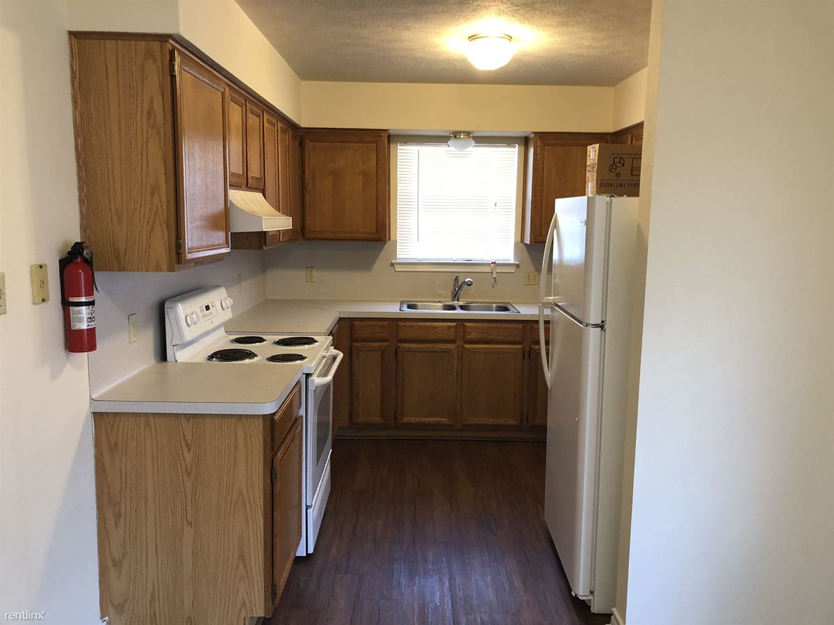 3 Bedrooms 2 Bathrooms House for rent at Sara Drive Duplexes in College Station, TX