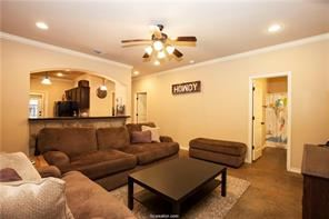 3 Bedrooms 3 Bathrooms Apartment for rent at The Barracks in College Station, TX