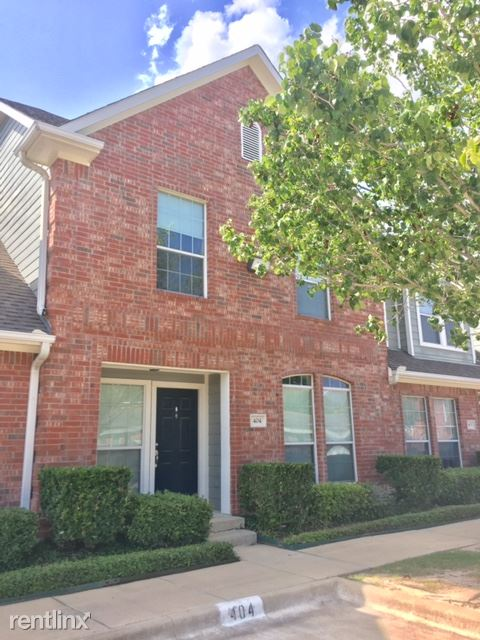4 Bedrooms 4+ Bathrooms Apartment for rent at Waterwood Townhomes in College Station, TX