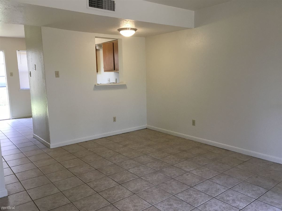 2 Bedrooms 1 Bathroom Apartment for rent at 206 Lincoln Ave in College Station, TX