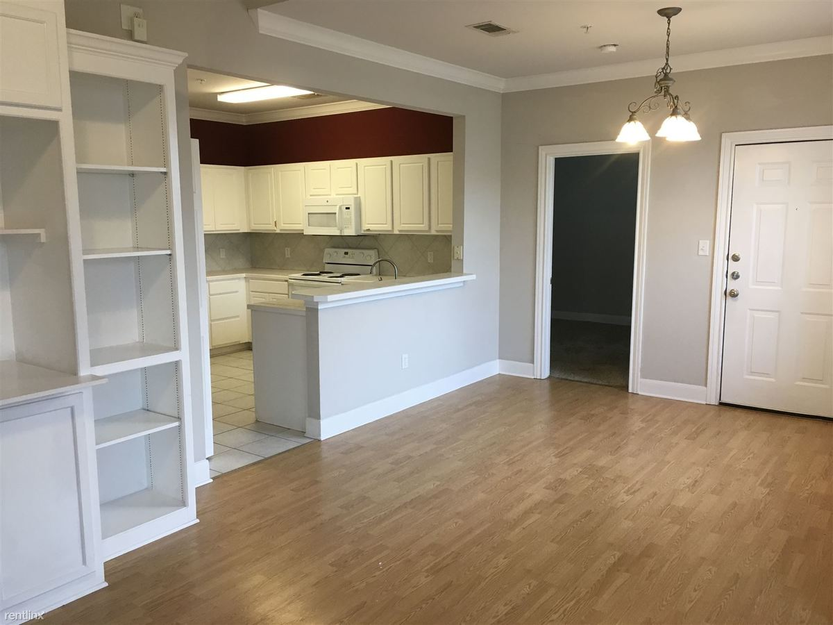 3 Bedrooms 3 Bathrooms Apartment for rent at Fox Run Condos in College Station, TX