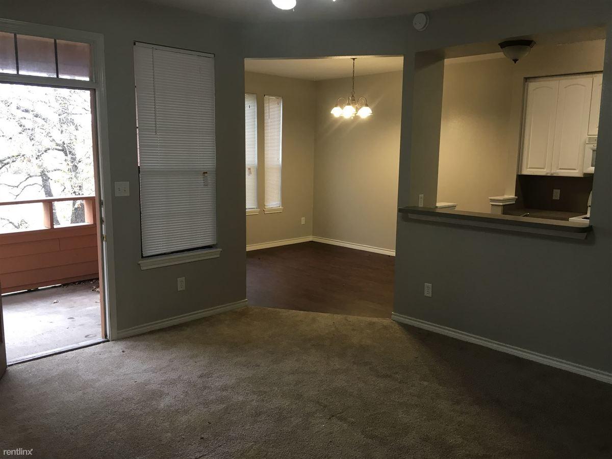 3 Bedrooms 2 Bathrooms Apartment for rent at Oaks Of Villa Maria in Bryan, TX