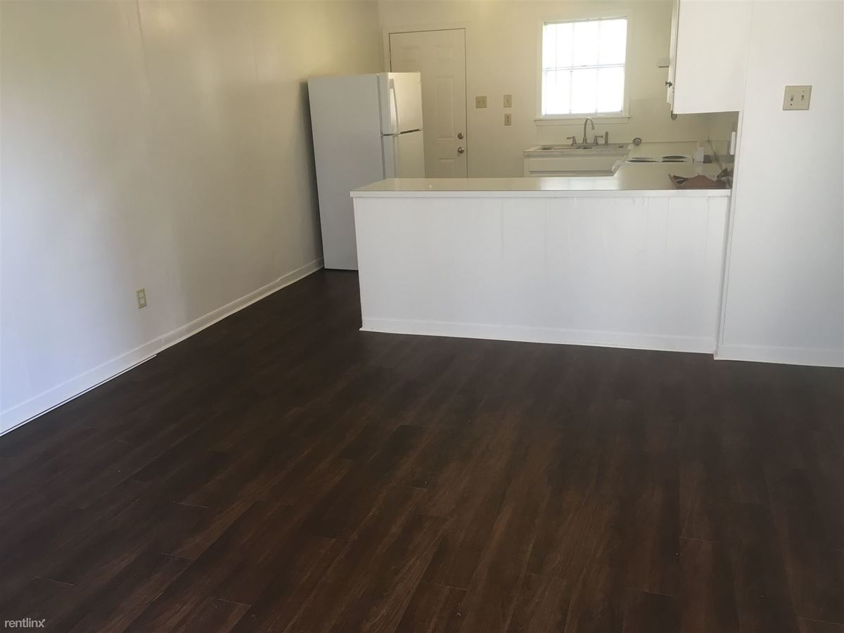 2 Bedrooms 1 Bathroom Apartment for rent at 512 1st St in College Station, TX