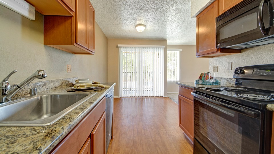 College Apartments in Midland | College Student Apartments
