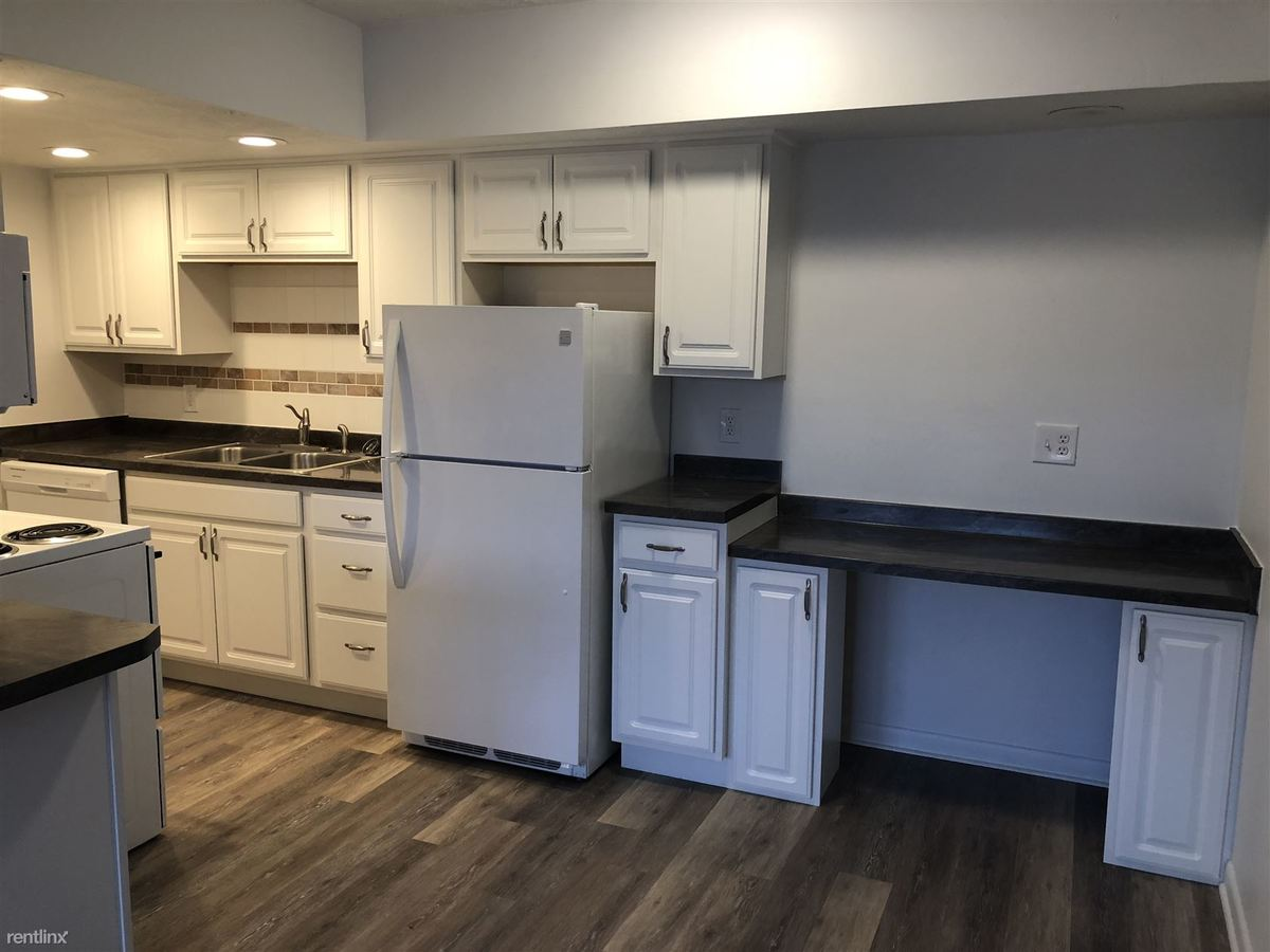 1 Bedroom 1 Bathroom Apartment for rent at Maplewood Manor Apartments in Lansing, MI