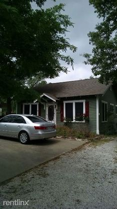 1 Bedroom 1 Bathroom House for rent at 304 N Haswell Dr in Bryan, TX