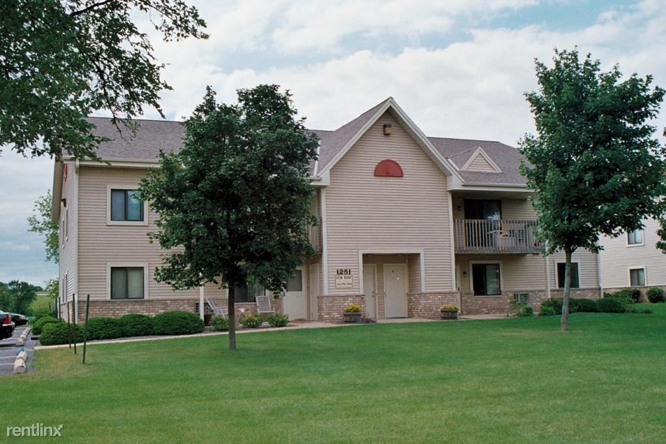2 Bedrooms 1 Bathroom Apartment for rent at Legend Meadows in Mukwonago, WI