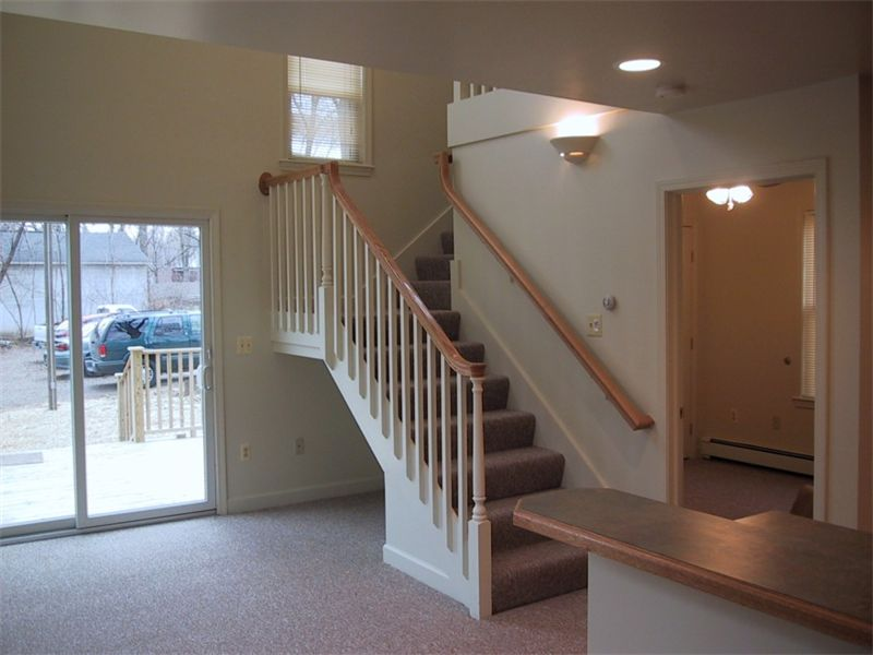 3 Bedrooms 2 Bathrooms Apartment for rent at 617 N Congress St in Ypsilanti, MI