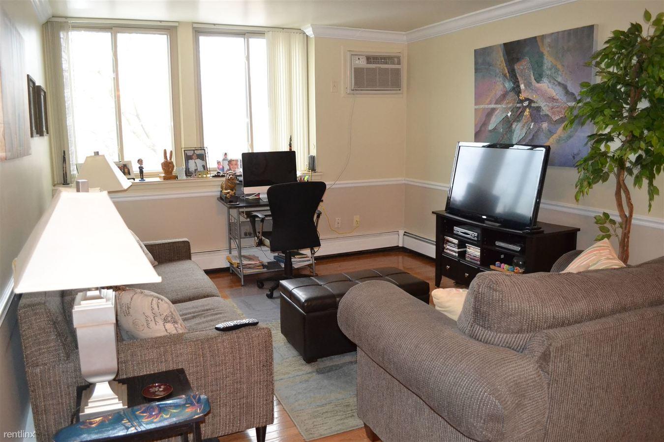 1 Bedroom 1 Bathroom Apartment for rent at 125 Perrin St in Ypsilanti, MI