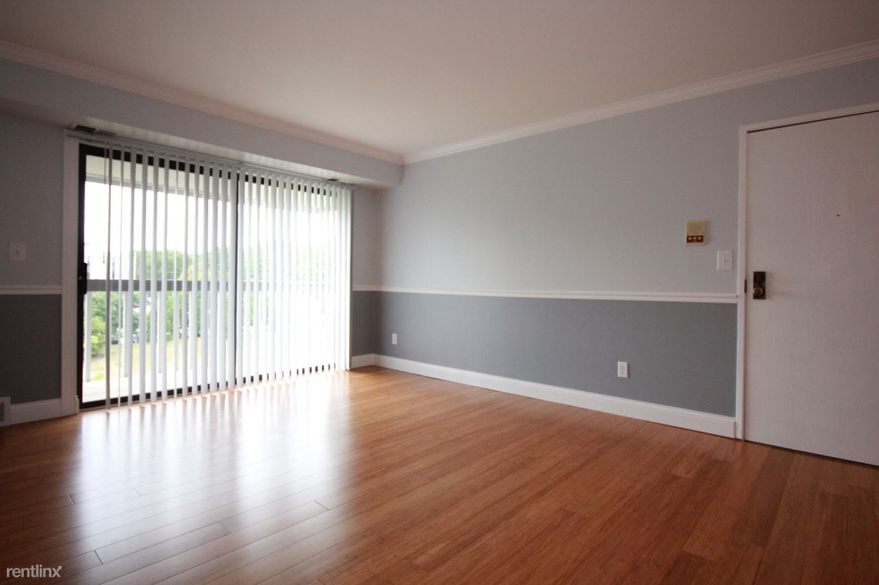1 Bedroom 1 Bathroom Apartment for rent at Flo Mar Terraces 2921 in Ypsilanti, MI