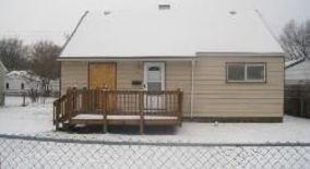 Similar Apartment at 600 Woodlawn Ave