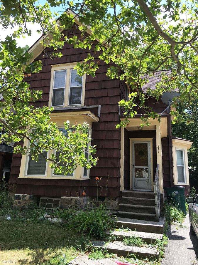 2 Bedrooms 1 Bathroom Apartment for rent at 321 W Shiawassee St in Lansing, MI