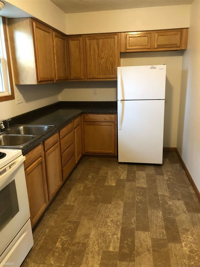 2 Bedrooms 1 Bathroom Apartment for rent at 1112 W Main St in Troy, OH