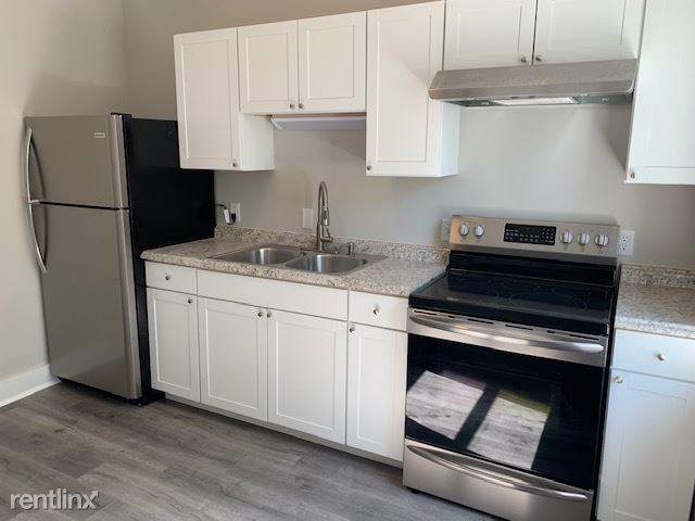 3 Bedrooms 1 Bathroom Apartment for rent at 155 Grove Ave in Dayton, OH