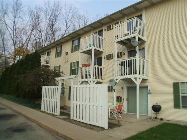 1 Bedroom 1 Bathroom Apartment for rent at Cattail Cove Apartments in Wyoming, MI