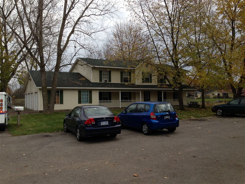 2 Bedrooms 1 Bathroom Apartment for rent at Cattail Cove Apartments in Wyoming, MI
