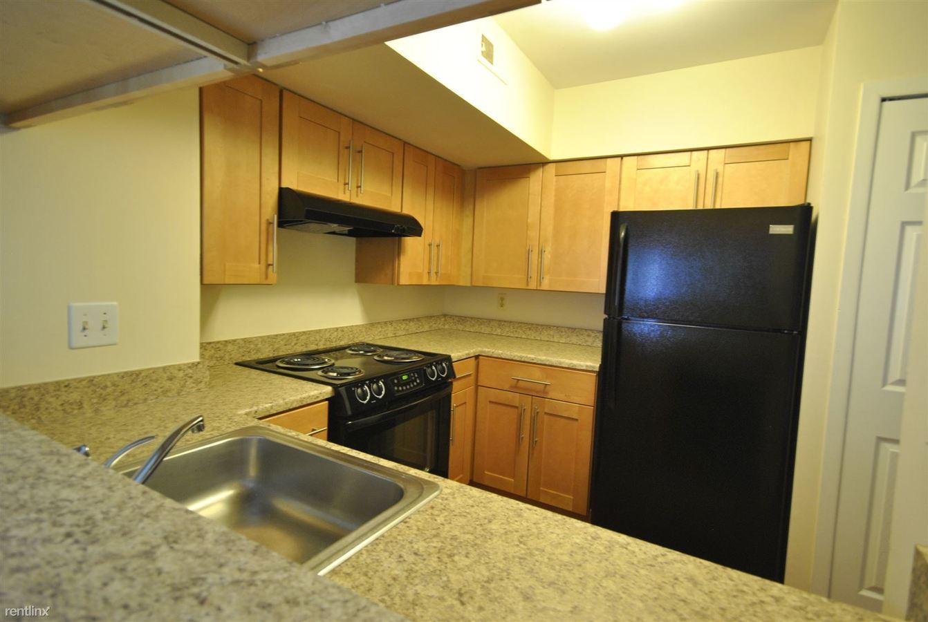 2 Bedrooms 2 Bathrooms Apartment for rent at Briarcrest Condos in Ann Arbor, MI