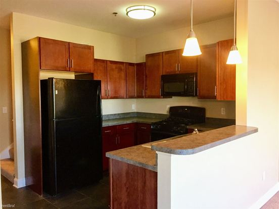 3 Bedrooms 2 Bathrooms Apartment for rent at Gaslight Village in East Lansing, MI