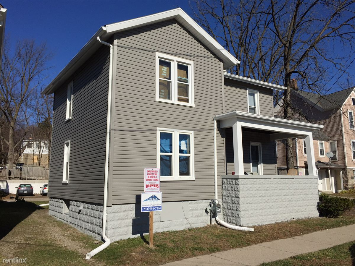 4 Bedrooms 2 Bathrooms House for rent at 215 E Madison St in Ann Arbor, MI