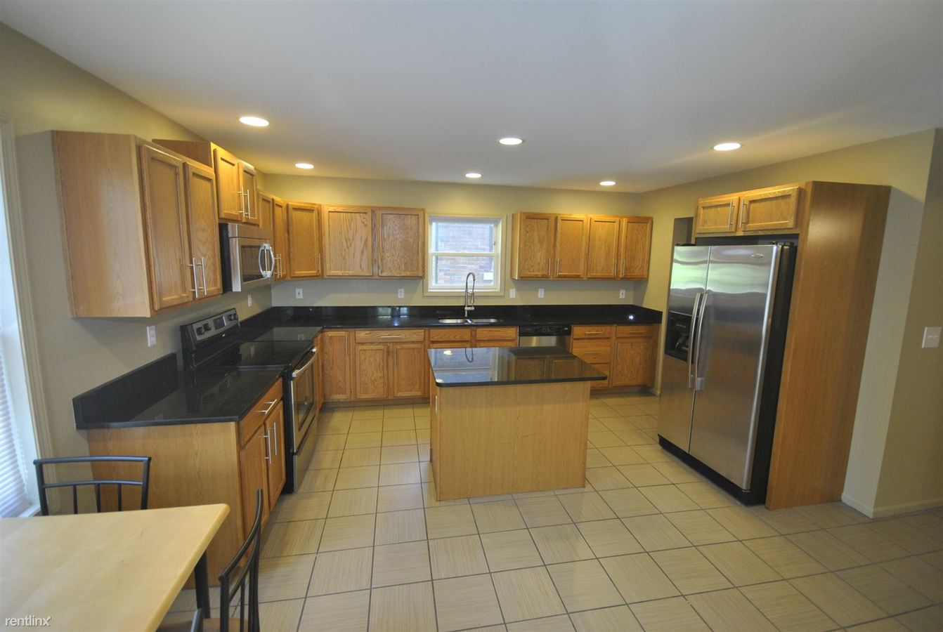 5 Bedrooms 3 Bathrooms House for rent at 512 S 4th Ave in Ann Arbor, MI